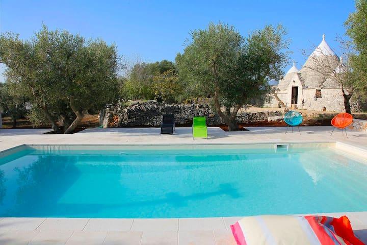 Trullo with gorgeous pool