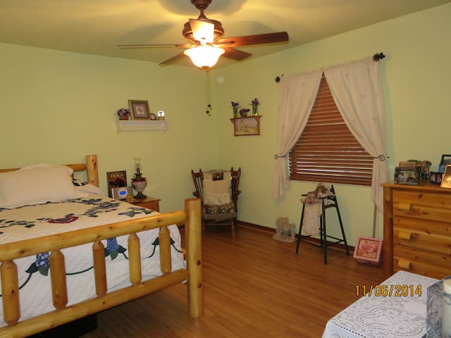 The Cozy Amish Room - Lake Mary - House