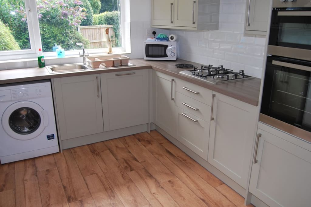 Brand new quality kitchen, very well equipped.