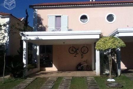 Quarto em Alphaville - Santana de Parnaíba - Apartment