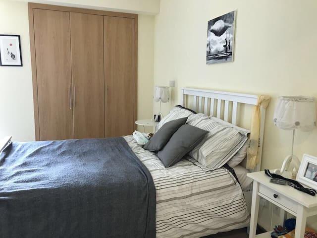 Master bedroom en-suite in JLT
