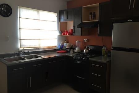 Habitacion para 1 persona cerca de Parq. del Norte - Reynosa