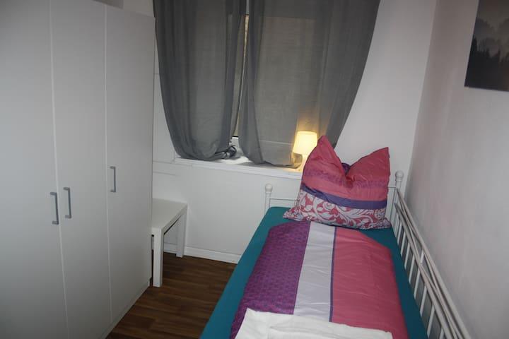 Düsseldorf-Altstadt, Zimmer für 1 Person