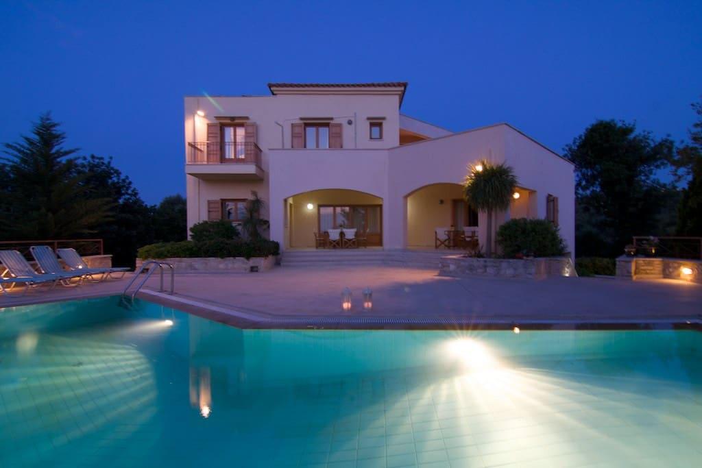 Villa Manolia