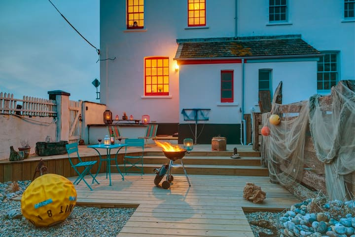 Sea views & log burning stove - Camber - Huis