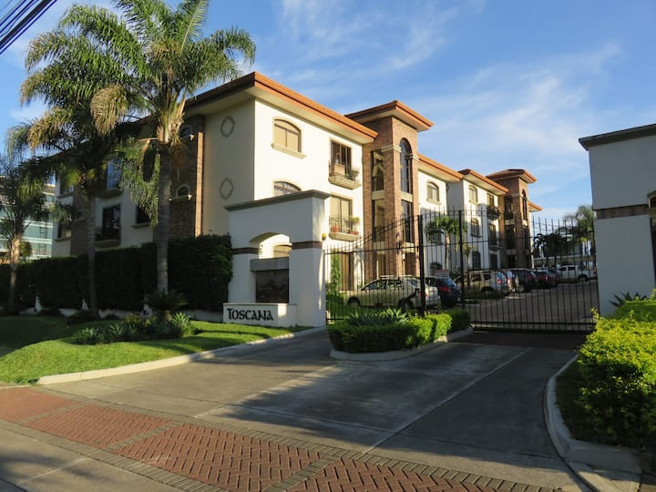 3 BedRoom Condominium in a exclusive Area, Escazú