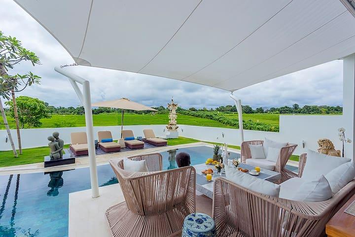 Villa Nataya - design villa with amazing view - Mengwi - Casa