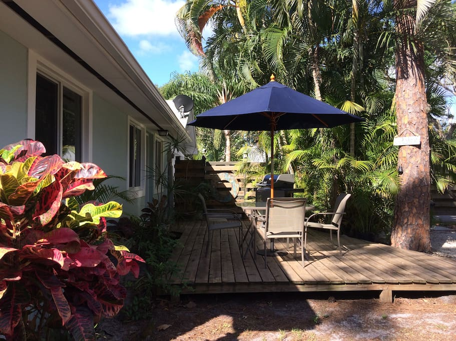 Front Deck and Private Entrance