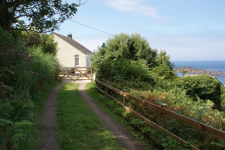 Beachside Cottage, Sennen Cove, West Cornwall