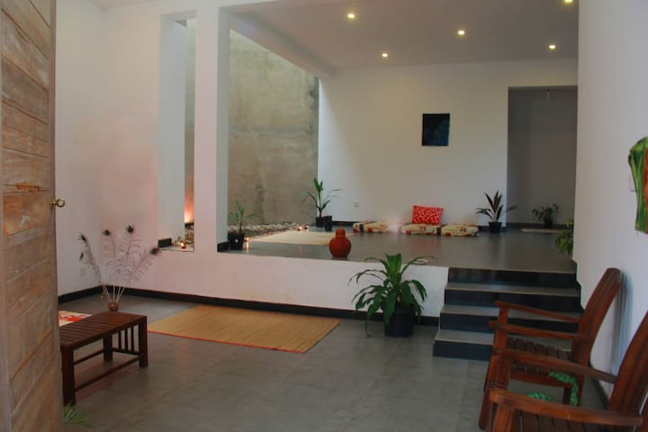 Homely apartment in Galle (AC included) - Галле - Квартира