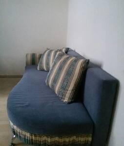 Хорошая уютная комната