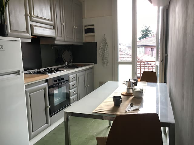 Charming apartment in the Bolognina area (Fiera)