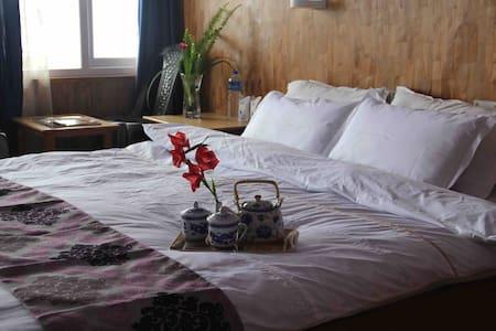 Hotel Blue Hills - Pelling - Bed & Breakfast