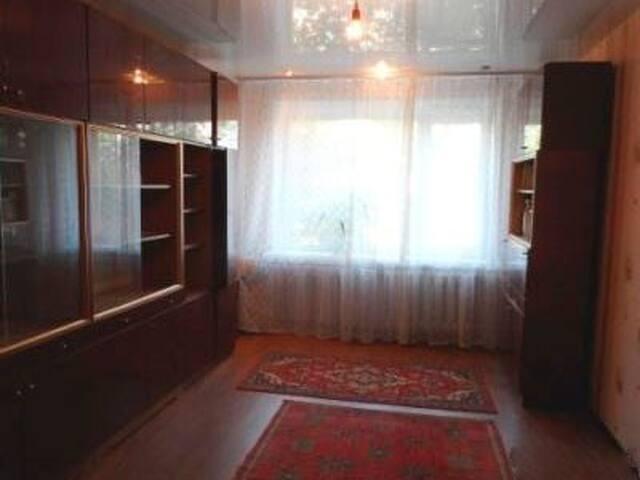2 комнатная квартира, 2 этаж.