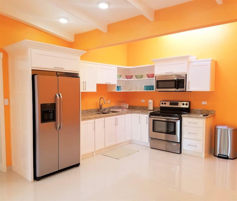 Large Full Kitchen