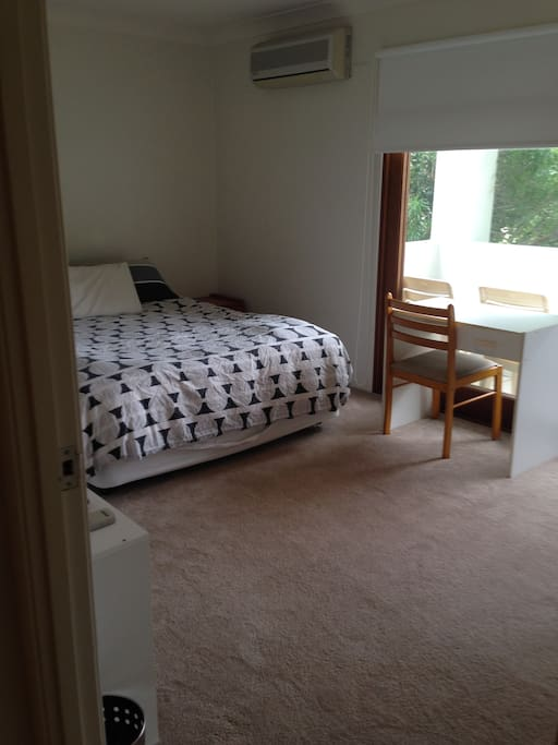Large fully furnished room. Large wardrobe, private balcony, brand new aircon. Queen size bed