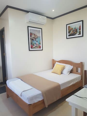 Pension House - Room 5 (Mauban, Quezon) - Mauban - Bed & Breakfast