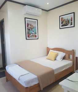 Pension House - Room 5 - Mauban - Bed & Breakfast