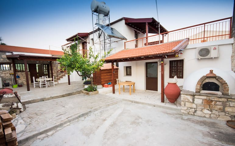 Traditional Village Apartments- Aggeliki House 1