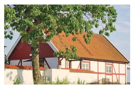 Holiday cottage with 3 bedrooms on 60m² in Hjärnarp