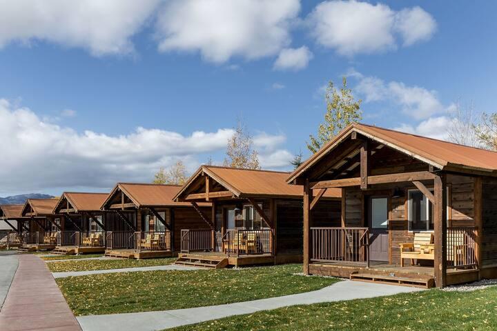 TETON DOUBLE QUEEN CABIN @ Teton Valley Resort