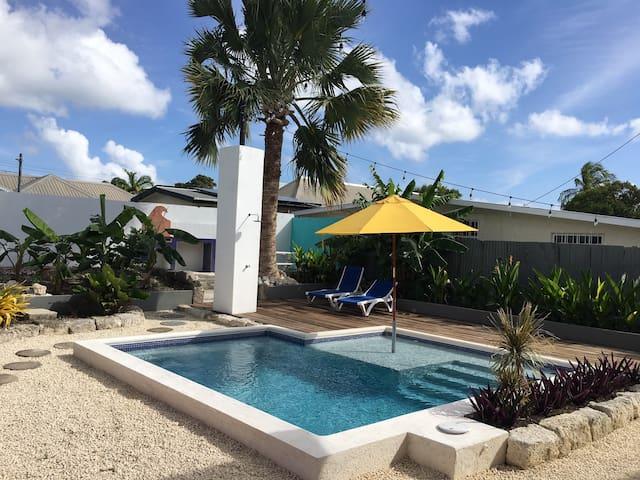 Saltlife 2 - Spacious, modern 2 bed with pool.