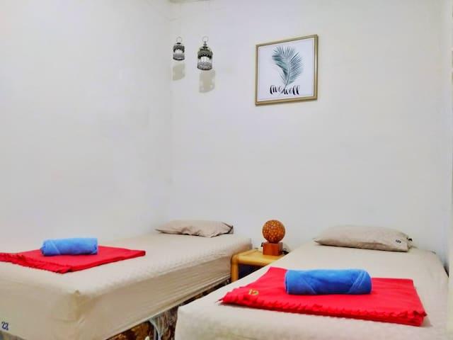 Otu Hostel by ostic - Twin Budget room