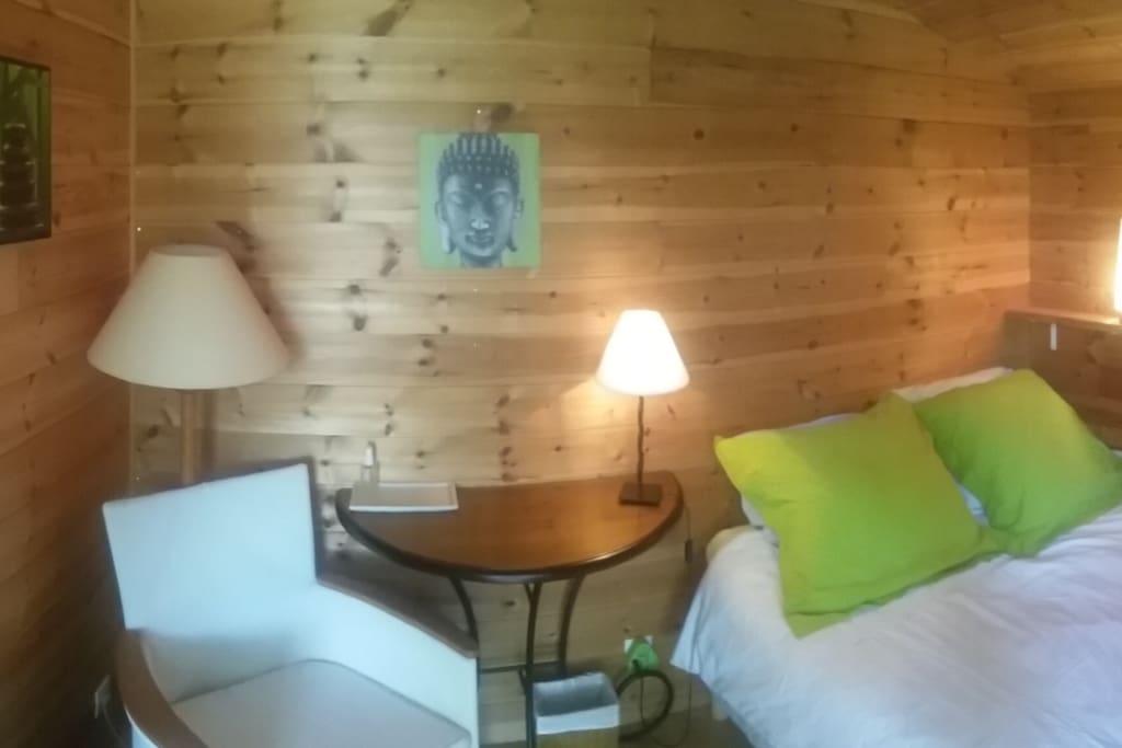 Chambre double ambiance vert.