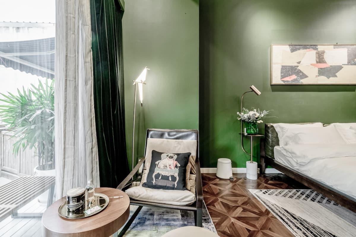 容驿.安福:入住地段绝佳闹中取静地时髦复古风设计公寓,打卡美食、咖啡和优质网红店