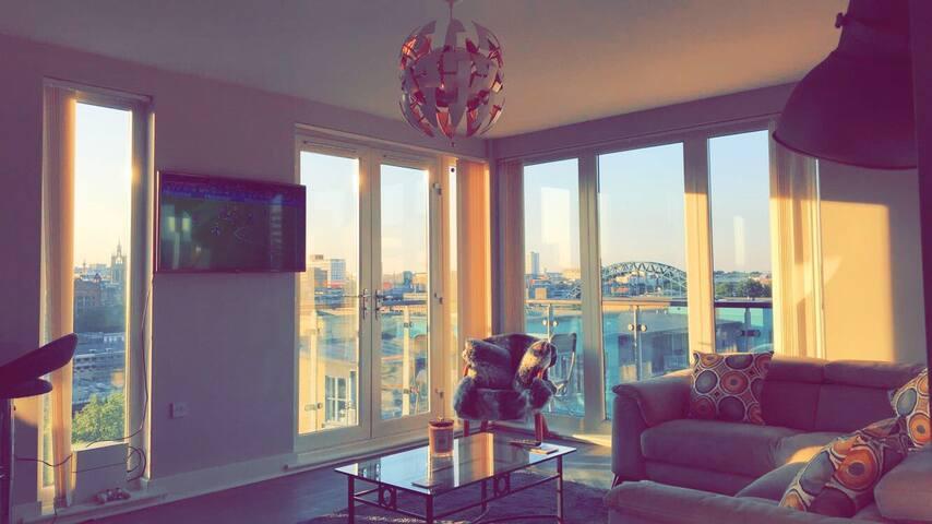 Living room with dual aspect window
