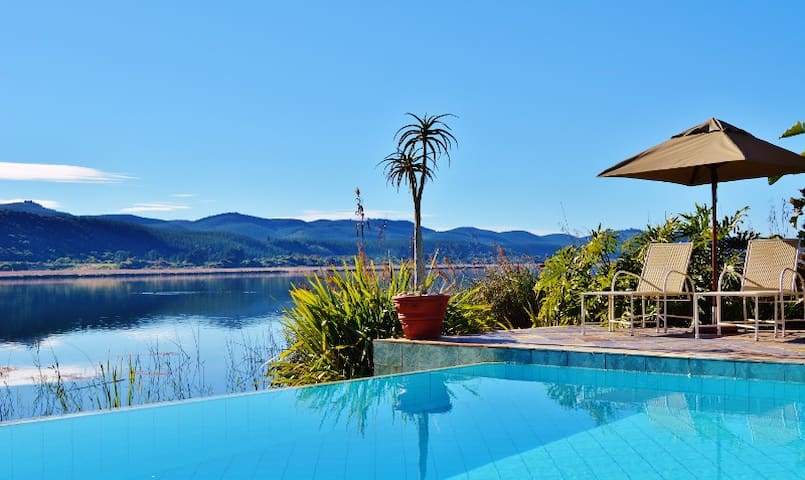 Lake Pleasant  Living self-catering accomodation - Sedgefield - Byt