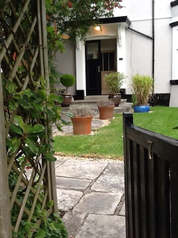 Spacious single/twin accommodation - Plymouth - Talo