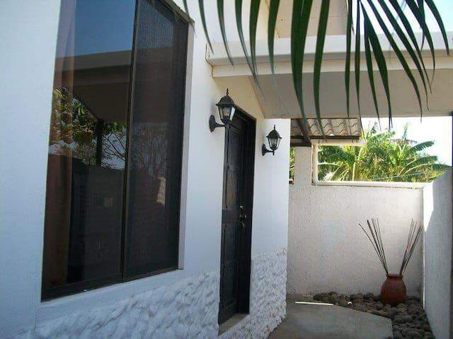 Villa equipada con mezzanine. - Sardinal de Carrillo