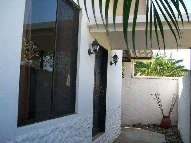 Villa equipada con mezzanine. - Sardinal de Carrillo - Lägenhet