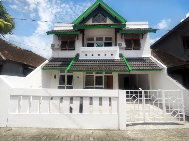 Rumah 4 Kamar Tidur Full Ac Seputaran Umbulharjo