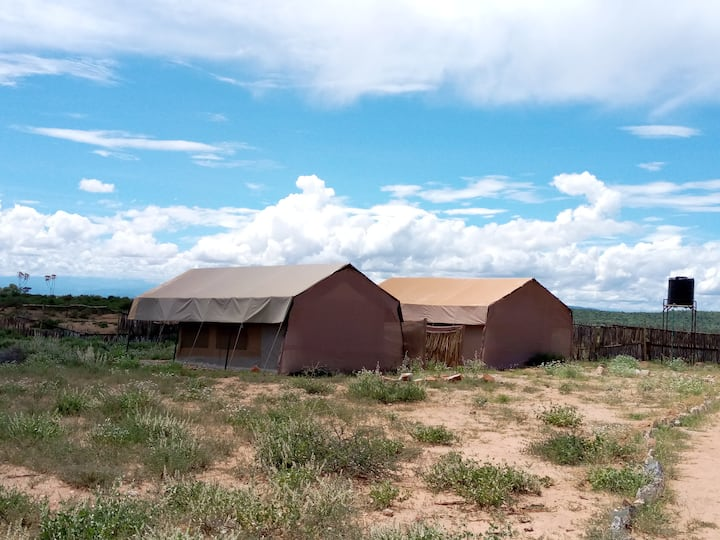 NASHIPA ECO CAMP,Ooperated by Samburu tribe(happy)