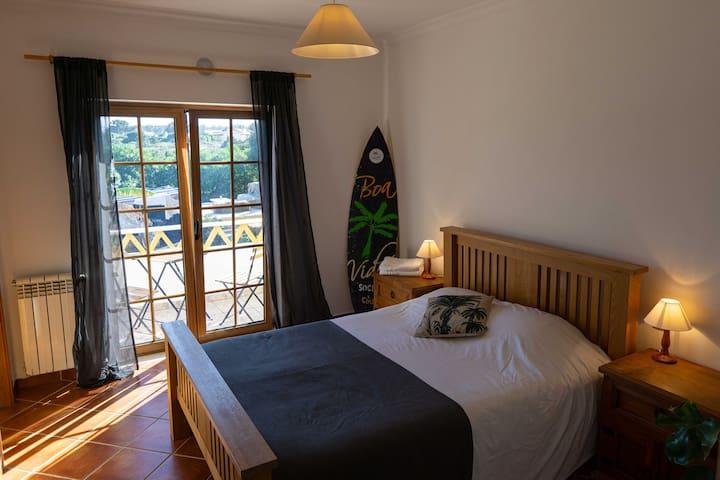 Boa Vida Guesthouse | Lake view room ensuite