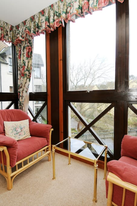 Jettied sitting area with river view