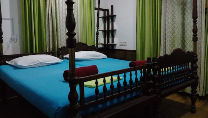Reds Homestay - Heritage Cottage - Penthouse.