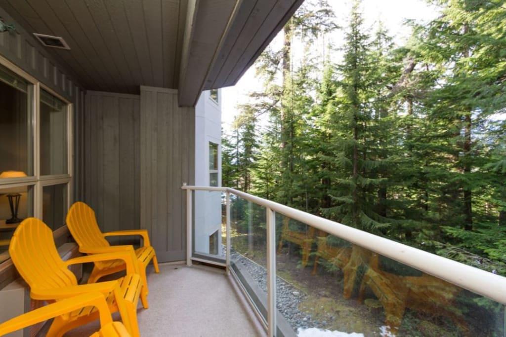 Balcony to enjoy the fresh mountain air