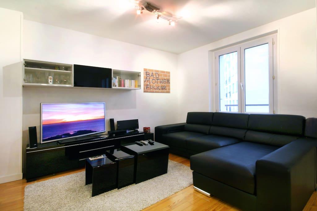 Salon spacieux et cosy