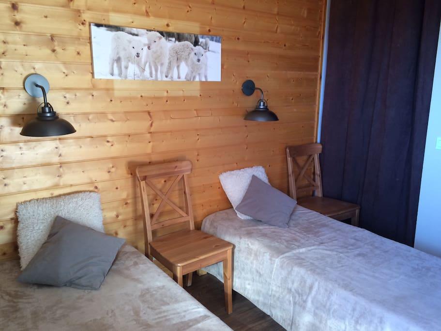 Chambre lits jumeaux transformables en lit double 160 cm
