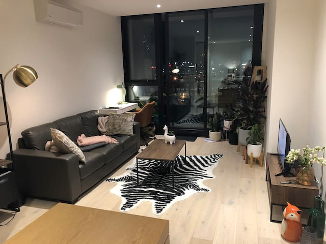 Cozy 1 bedroom near CBD