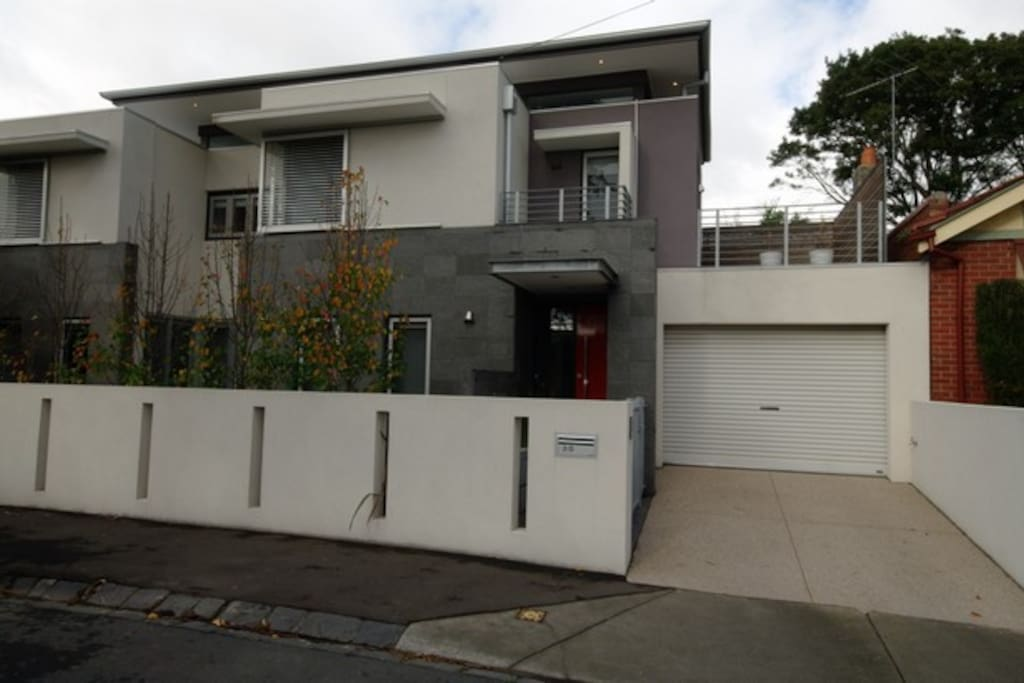 Contemporary townhouse in Brighton, conveniently located behind Church Street