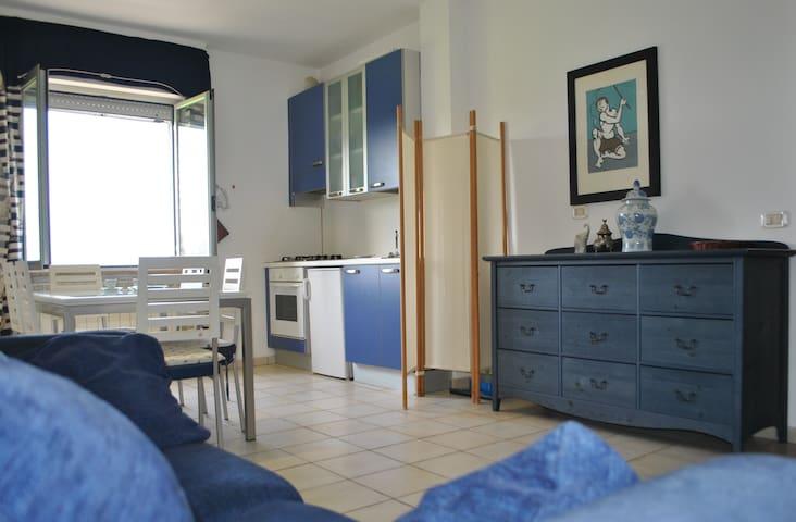 piccolo Appartamento Fronte mare - porto san giorgio - Apartamento