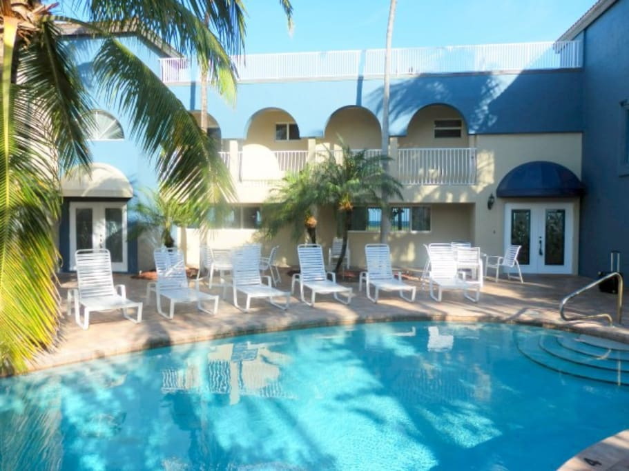 Oceanside 2 2 For 7 Pool Pompano Beach Condominiums For Rent In Pompano Beach Florida