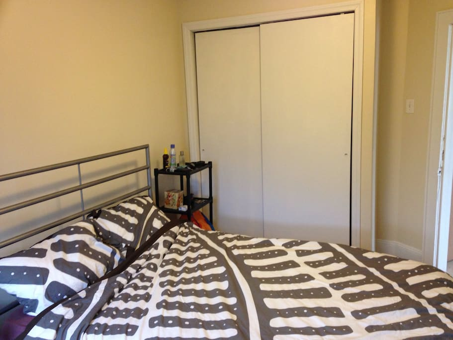 The same bedroom,picture from a different angle