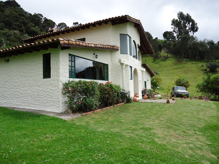 Beautiful country house near to Bogotá