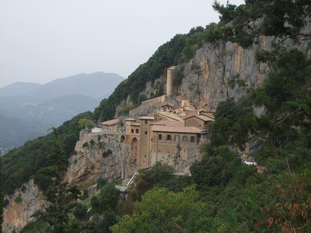 Vista panoramica del Monastero di San Benedetto