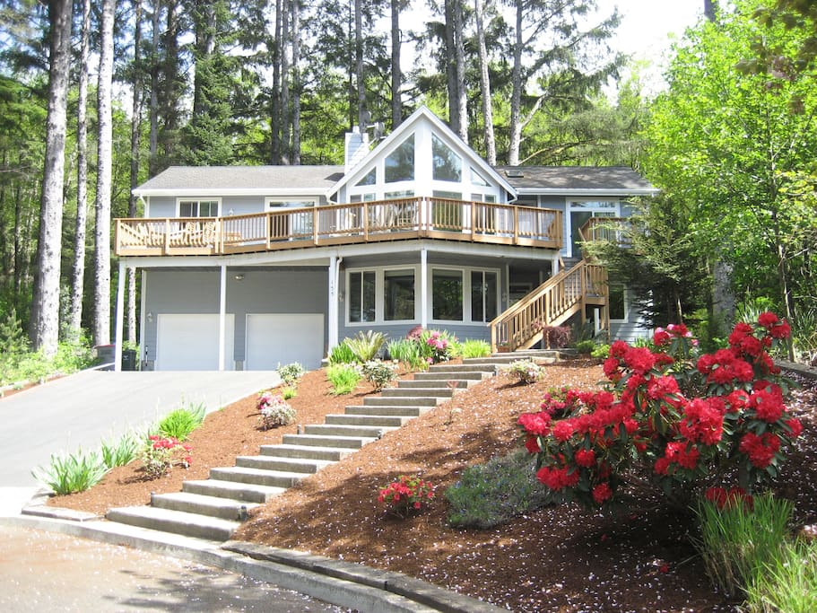 The cove cannon beach houses for rent in cannon beach for Beach house rentals cannon beach